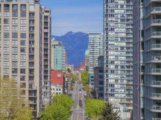 "Photo 19: 1003 193 AQUARIUS Mews in Vancouver: Yaletown Condo for sale in ""MARINASIDE RESORT"" (Vancouver West)  : MLS®# V1118098"