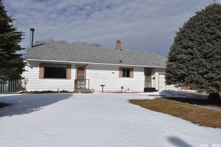 Photo 2: 706 1st Street West in Nipawin: Residential for sale : MLS®# SK850867