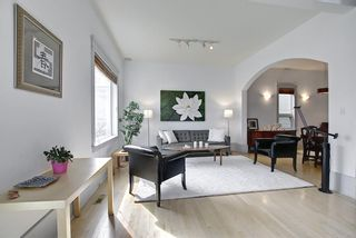 Photo 3: 1708 13 Avenue SW in Calgary: Sunalta Detached for sale : MLS®# A1100494