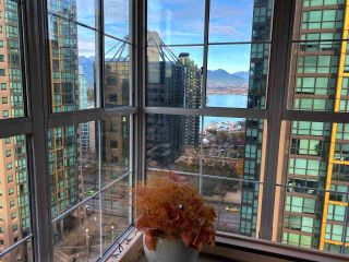 """Photo 4: 1001 717 JERVIS Street in Vancouver: West End VW Condo for sale in """"EMERALD WEST"""" (Vancouver West)  : MLS®# R2420598"""