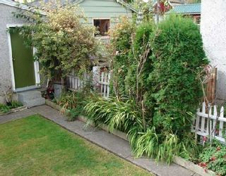 Photo 4: 462 E 30TH Avenue in Vancouver: Fraser VE House for sale (Vancouver East)  : MLS®# V671639