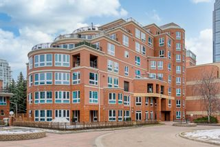 Photo 1: 8802 400 Eau Claire Avenue SW in Calgary: Eau Claire Apartment for sale : MLS®# A1090633