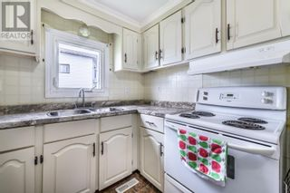 Photo 5: 10 Lombardy Place in Paradise: House for sale : MLS®# 1233495