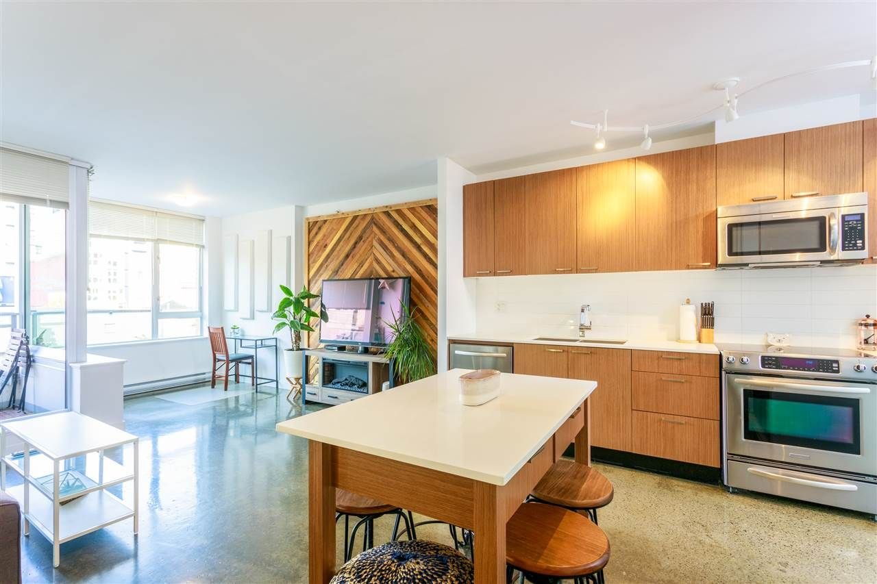 """Main Photo: 412 221 UNION Street in Vancouver: Strathcona Condo for sale in """"V6A"""" (Vancouver East)  : MLS®# R2413174"""