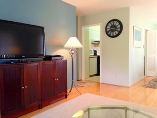 Photo 4: 201 2409 W 43RD Avenue in Vancouver: Kerrisdale Condo for sale (Vancouver West)  : MLS®# V1065047
