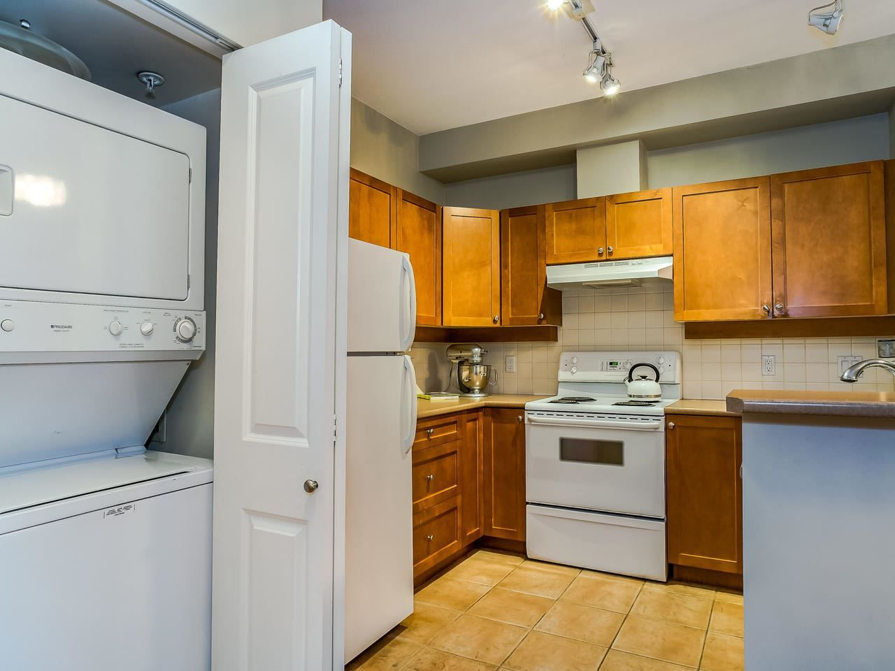 """Photo 18: Photos: 107 18 SMOKEY SMITH Place in New Westminster: GlenBrooke North Condo for sale in """"Crofton"""" : MLS®# R2493890"""