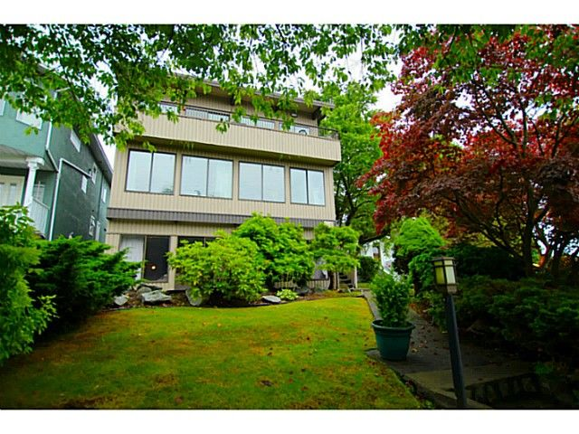 Main Photo: 138 HYTHE Avenue in Burnaby: Capitol Hill BN House for sale (Burnaby North)  : MLS®# V1077231