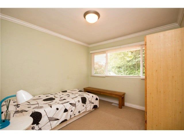 Photo 8: Photos: 780 Blythwood Drive in North Vancouver: Delbrook House for rent
