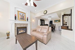 Photo 7: 14537 74A Avenue in Surrey: East Newton House for sale : MLS®# R2492435