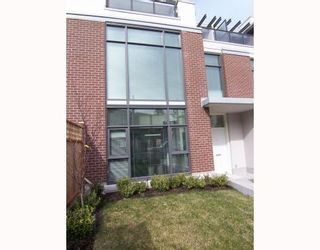 """Photo 1: 7059 17TH Avenue in Burnaby: Edmonds BE Townhouse for sale in """"PARK 360"""" (Burnaby East)  : MLS®# V808624"""