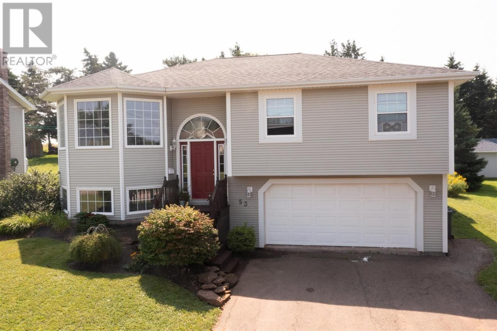 Main Photo: 53 Millennium Drive in Stratford: House for sale : MLS®# 202121074