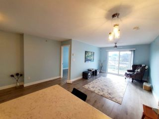 "Photo 5: 407 33960 OLD YALE Road in Abbotsford: Central Abbotsford Condo for sale in ""OLD YALE HEIGHTS"" : MLS®# R2499608"