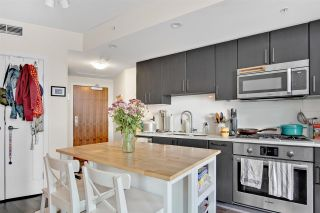 """Photo 2: 810 88 W 1ST Avenue in Vancouver: False Creek Condo for sale in """"THE ONE"""" (Vancouver West)  : MLS®# R2545345"""