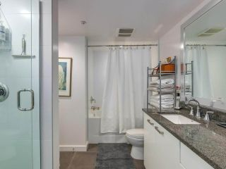 """Photo 15: 375 2080 W BROADWAY in Vancouver: Kitsilano Condo for sale in """"PINNACLE LIVING ON BROADWAY"""" (Vancouver West)  : MLS®# R2211453"""