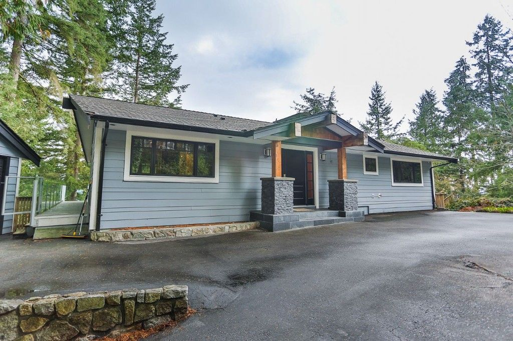 "Main Photo: 465 WESTHOLME Road in West Vancouver: West Bay House for sale in ""WEST BAY"" : MLS®# R2012630"