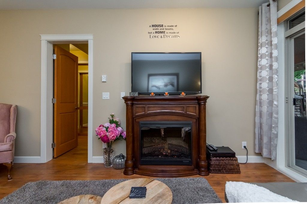 """Photo 18: Photos: 155 8328 207A Street in Langley: Willoughby Heights Condo for sale in """"YORKSON CREEK"""" : MLS®# R2201226"""