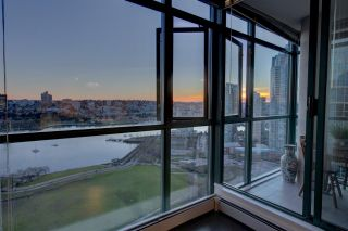 "Photo 15: 2302 289 DRAKE Street in Vancouver: Yaletown Condo for sale in ""Park View Tower"" (Vancouver West)  : MLS®# R2530410"