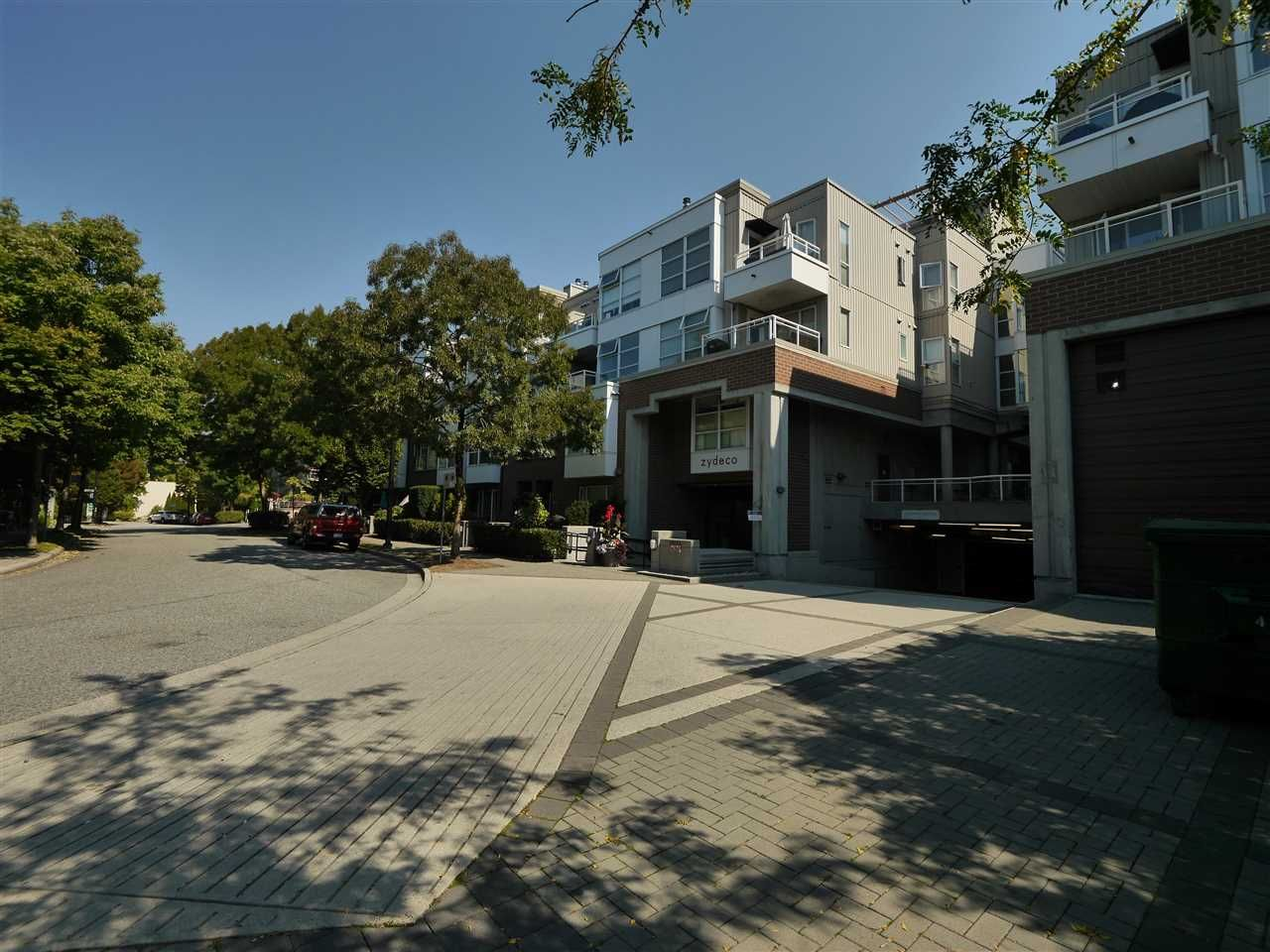 """Photo 8: Photos: 315 2768 CRANBERRY Drive in Vancouver: Kitsilano Condo for sale in """"ZYDECO"""" (Vancouver West)  : MLS®# R2566057"""