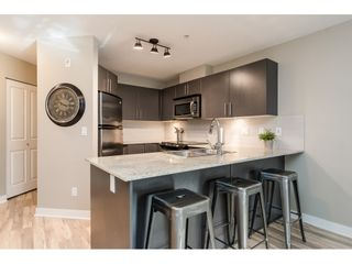 """Photo 8: 113 8915 202 Street in Langley: Walnut Grove Condo for sale in """"THE HAWTHORNE"""" : MLS®# R2444586"""