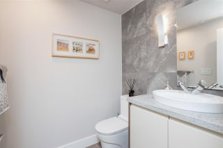 """Photo 10: 168 BOATHOUSE Mews in Vancouver: Yaletown Townhouse for sale in """"Marinaside Resort"""" (Vancouver West)  : MLS®# R2587224"""