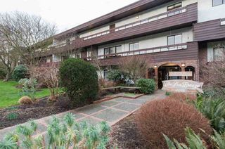 "Photo 15: 308 2025 W 2ND Avenue in Vancouver: Kitsilano Condo for sale in ""SEABREEZE"" (Vancouver West)  : MLS®# R2533460"