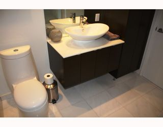 """Photo 10: 1282 W 6TH Avenue in Vancouver: Fairview VW Townhouse for sale in """"VANDERLEE COURT"""" (Vancouver West)  : MLS®# V770008"""