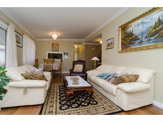 """Photo 6: 42 1400 164 Street in Surrey: King George Corridor House for sale in """"Gateway Gardens"""" (South Surrey White Rock)  : MLS®# F1419963"""