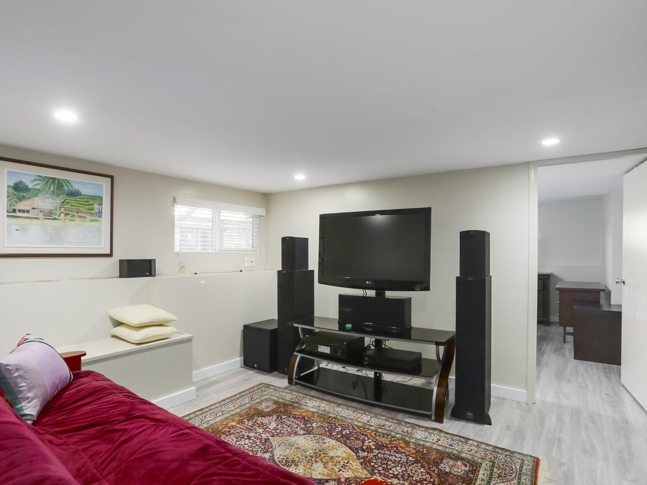 Photo 14: Photos: 325 W KINGS Road in North Vancouver: Upper Lonsdale House for sale : MLS®# R2443642
