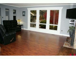 """Photo 3: 3654 HURST Crescent in Abbotsford: Abbotsford East House for sale in """"ROBERT BATEMAN PARK"""" : MLS®# F2923718"""