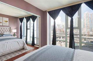 """Photo 9: 1101 583 BEACH Crescent in Vancouver: Yaletown Condo for sale in """"TWO PARK WEST"""" (Vancouver West)  : MLS®# R2578199"""