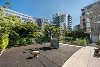 """Photo 30: 302 W 1ST Avenue in Vancouver: False Creek Townhouse for sale in """"FOUNDRY"""" (Vancouver West)  : MLS®# R2625350"""