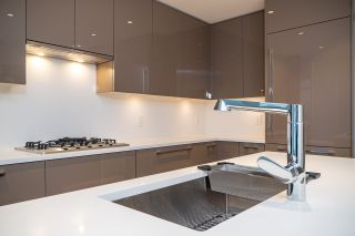 """Photo 9: 402 5289 CAMBIE Street in Vancouver: Cambie Condo for sale in """"CONTESSA"""" (Vancouver West)  : MLS®# R2534861"""