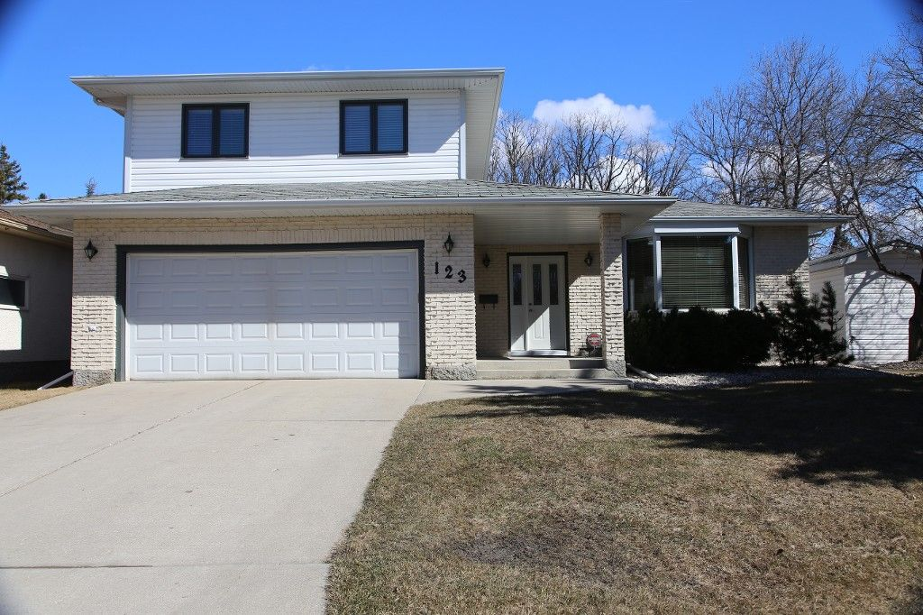 Photo 36: Photos: 123 Hunterspoint Road in Winnipeg: Charleswood Single Family Detached for sale (1G)  : MLS®# 1707500