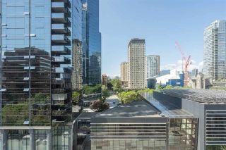 """Photo 5: 1106 1068 HORNBY Street in Vancouver: Downtown VW Condo for sale in """"The Canadian at Wall Centre"""" (Vancouver West)  : MLS®# R2485432"""