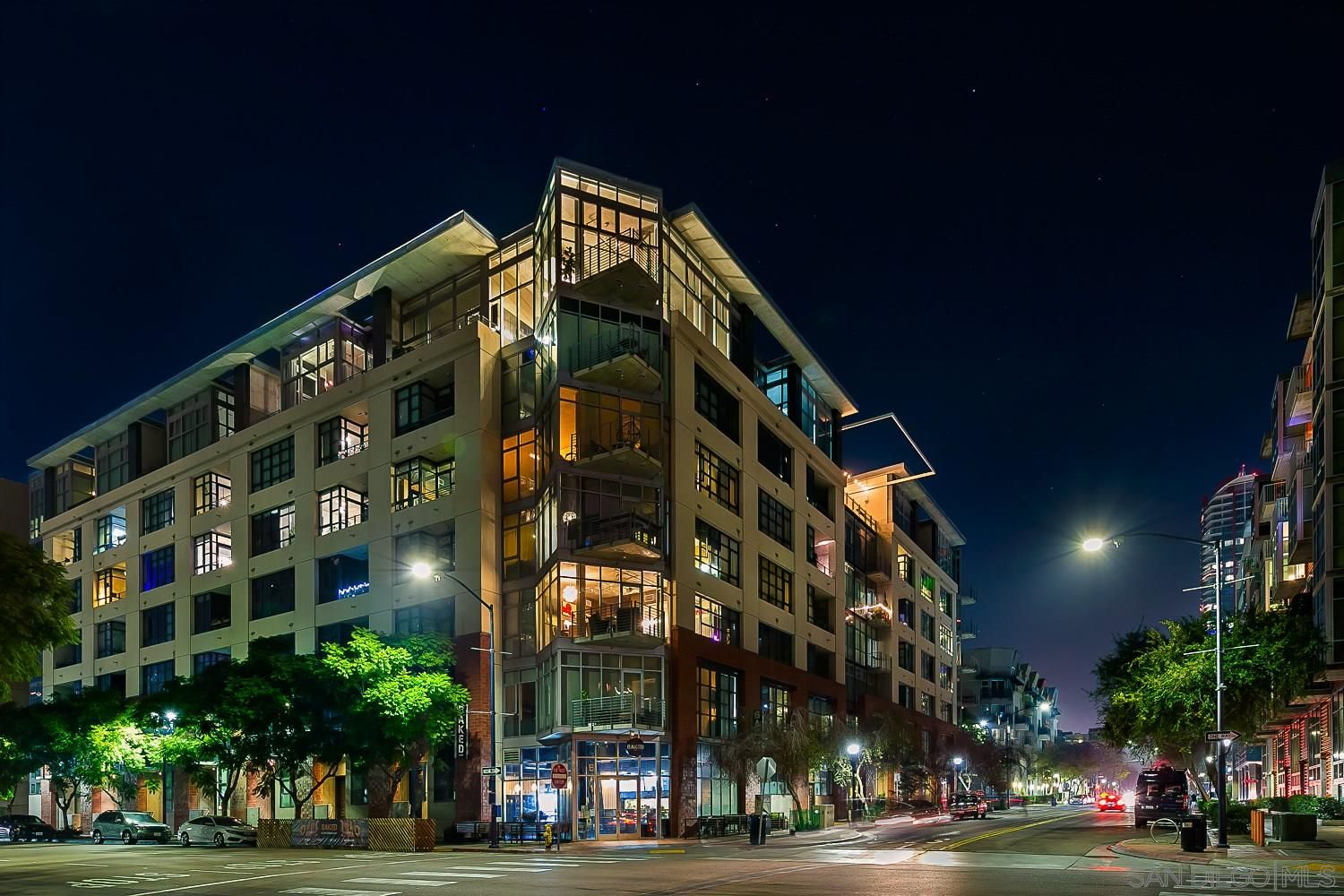 Main Photo: Condo for sale : 2 bedrooms : 1050 Island ave #707 in san diego