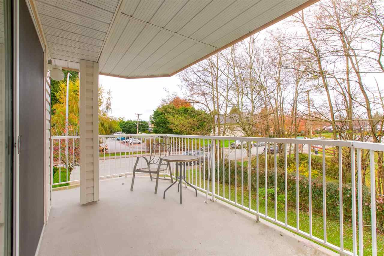 "Photo 8: Photos: 108 20600 53A Avenue in Langley: Langley City Condo for sale in ""RIVERGLEN ESTATE"" : MLS®# R2419379"