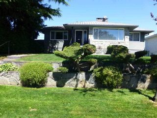 Photo 1: 4627 MIDLAWN Drive in Burnaby: Brentwood Park House for sale (Burnaby North)  : MLS®# R2100081