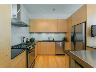 Photo 6: 2115 W 1ST AVENUE in Vancouver: Kitsilano 1/2 Duplex for sale (Vancouver West)  : MLS®# V1142221