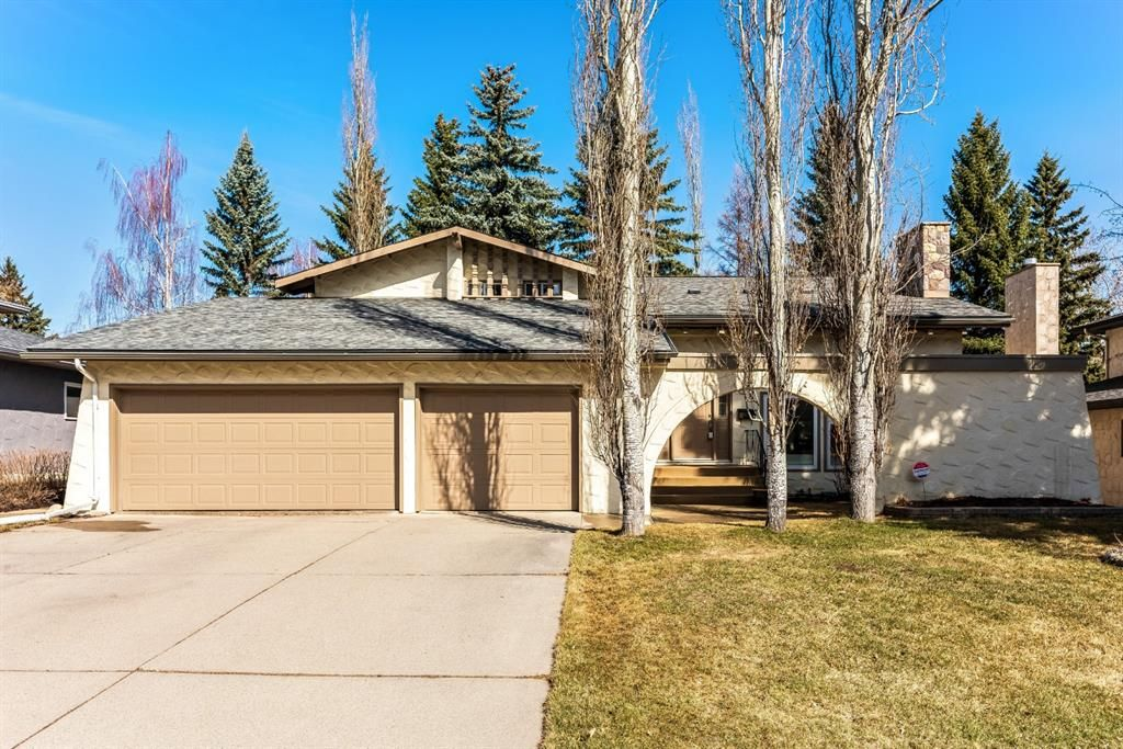 Main Photo: 87 Canata Close SW in Calgary: Canyon Meadows Detached for sale : MLS®# A1090387
