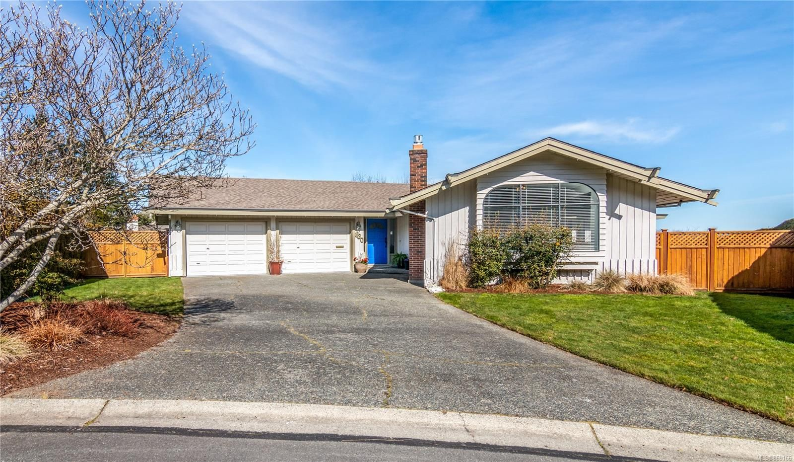 Main Photo: 830 Gulfview Pl in : SE Cordova Bay House for sale (Saanich East)  : MLS®# 869166