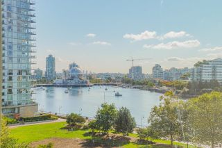 """Photo 7: 805 980 COOPERAGE Way in Vancouver: Yaletown Condo for sale in """"COOPERS POINTE by Concord Pacific"""" (Vancouver West)  : MLS®# R2614161"""