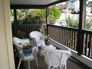 Photo 3: 965 KEIL Street: White Rock House for sale (South Surrey White Rock)  : MLS®# R2206346
