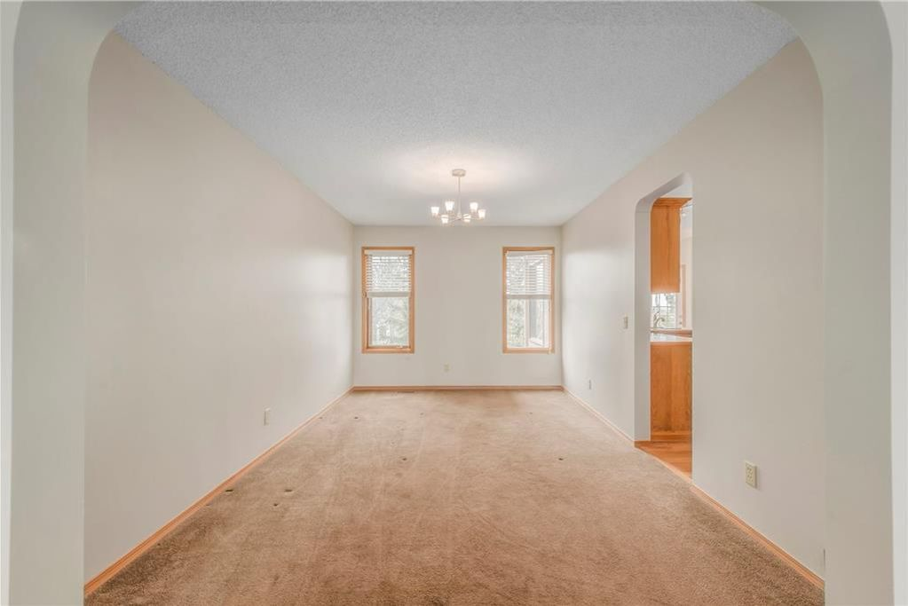 Photo 15: Photos: 2603 SIGNAL RIDGE View SW in Calgary: Signal Hill House for sale : MLS®# C4177922