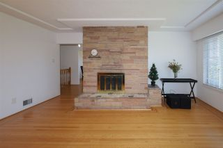Photo 6: 1563 E 59TH Avenue in Vancouver: Fraserview VE House for sale (Vancouver East)  : MLS®# R2589048
