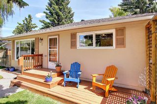Photo 3: 2 Kelwood Crescent SW in Calgary: Glendale Detached for sale : MLS®# A1114771