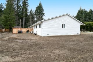 Photo 5: 2110 Lake Trail Rd in : CV Courtenay City Full Duplex for sale (Comox Valley)  : MLS®# 869253