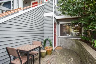 "Photo 2: 3548 POINT GREY Road in Vancouver: Kitsilano Townhouse for sale in ""MARINA PLACE"" (Vancouver West)  : MLS®# R2576104"