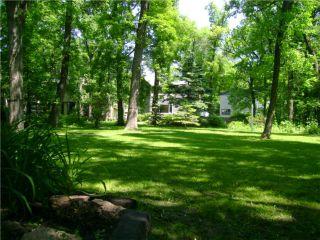 Photo 2: 245 WILDWOOD J Park in WINNIPEG: Fort Garry / Whyte Ridge / St Norbert Residential for sale (South Winnipeg)  : MLS®# 1011794
