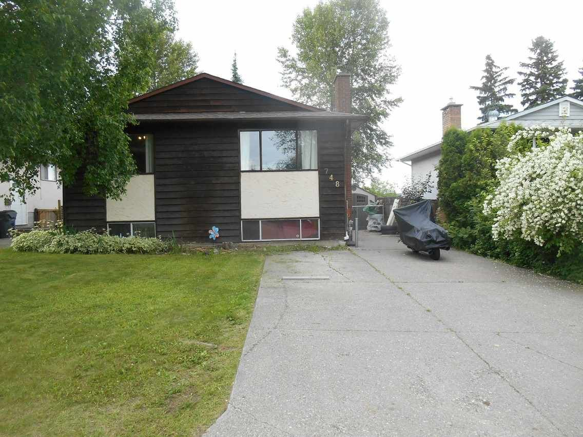 Photo 19: Photos: 748 OCHAKWIN Crescent in Prince George: Foothills House for sale (PG City West (Zone 71))  : MLS®# R2082911