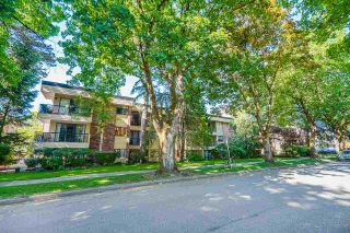 """Photo 2: 104 1717 W 13TH Avenue in Vancouver: Fairview VW Condo for sale in """"Princeton Manor"""" (Vancouver West)  : MLS®# R2588678"""